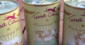 Terra Canis Classic Menüs: Nassfutter in Lebensmittelqualität im Test