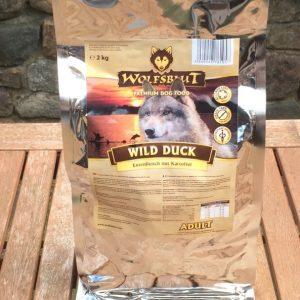 Bild 1: Die Verpackung vom WOLFSBLUT Wild Duck Trockenfutter hat auch einen Zipp-Verschluss.