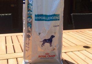 Bild 1: Royal Canin Hypoallergenic DR 21 Trockenfutter mit wiederverschließbarer Verpackung.