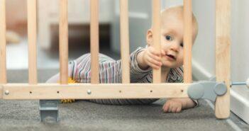 Treppenschutzgitter: Schutz für Kind & Hund