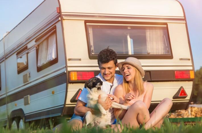 Camping in Frankreich - im Wohnwagen oder Bungalow - ist entspannend für Hund und Halter. (#3)