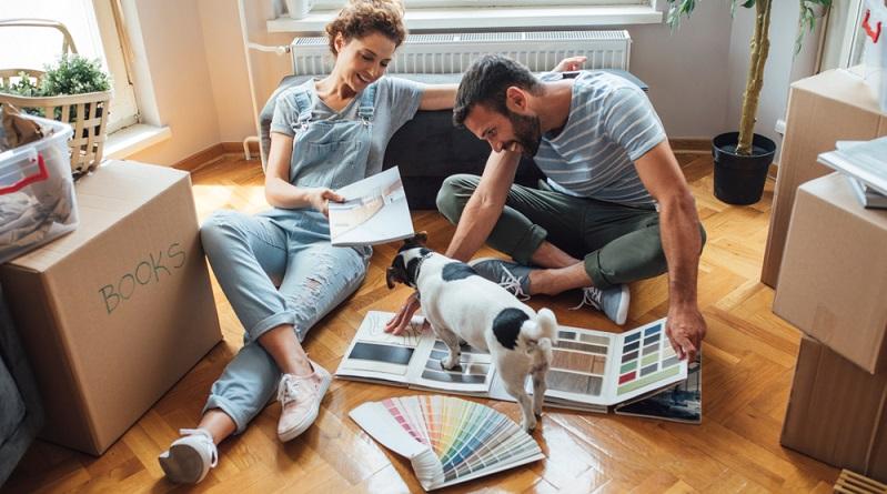 Häufig begründen die Vermieter ihre Ablehnung von Hunden und anderen Haustieren damit, dass störende Gerüche entstehen. Wenn ein Missgeschick passiert, lässt sich der Geruch jedoch relativ zügig wieder beseitigen. (#01)