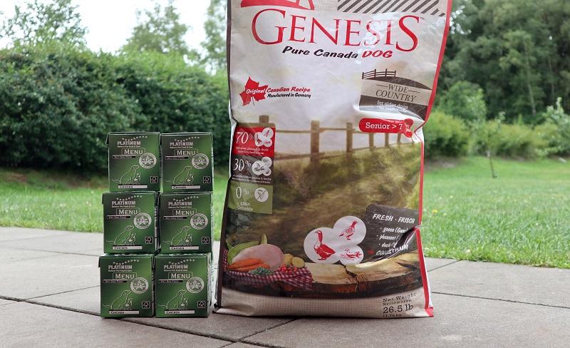 GENESIS WIDE COUNTRY vs. PLATINUM MENU CHICKEN: Zwei Futter für Hunde im Test.