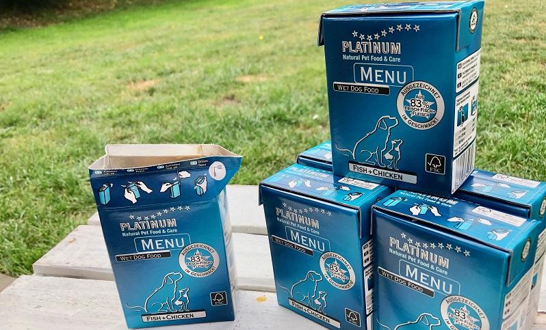 PLATINUM MENU FISH+CHICKEN: Das Hundefutter gibt es in der Tetra Recart Packung.